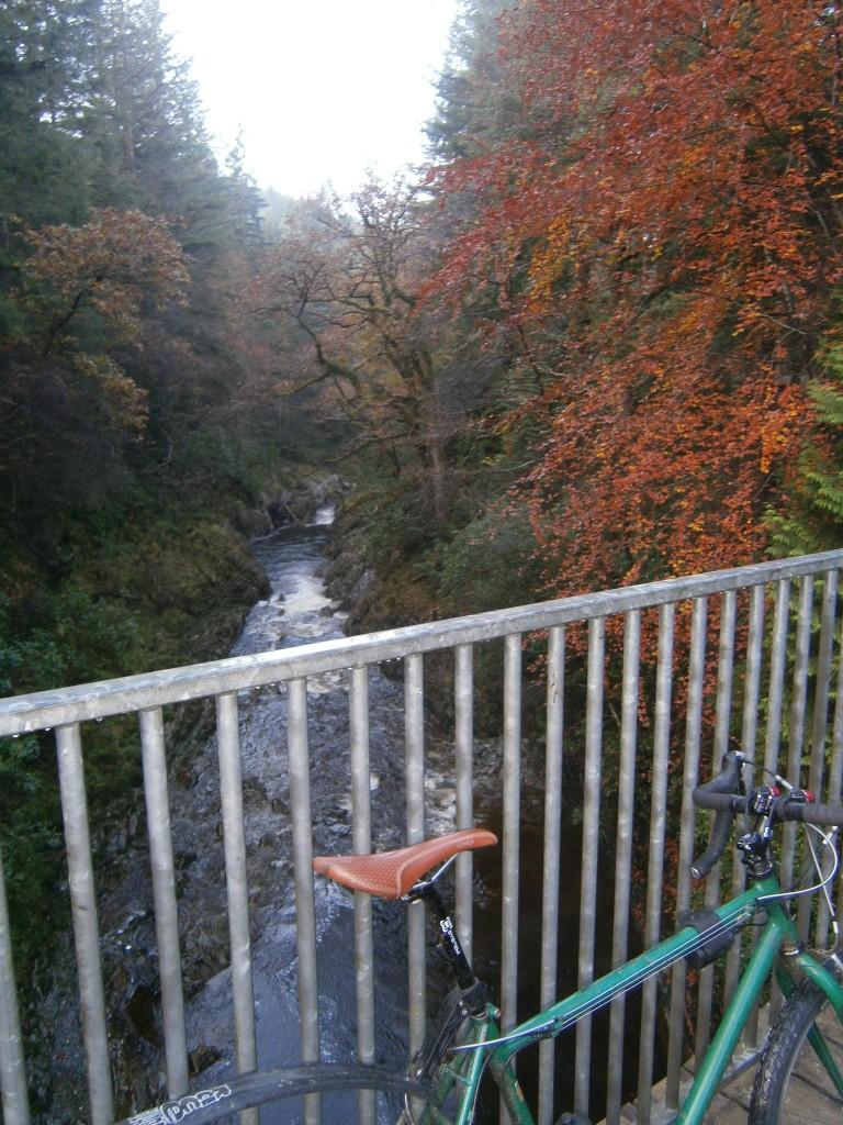 Crossing yr Afon Gain